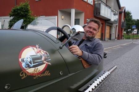 Nose art made for this Morgan 3 wheeler. Double Trouble - Christian Beijer Arts